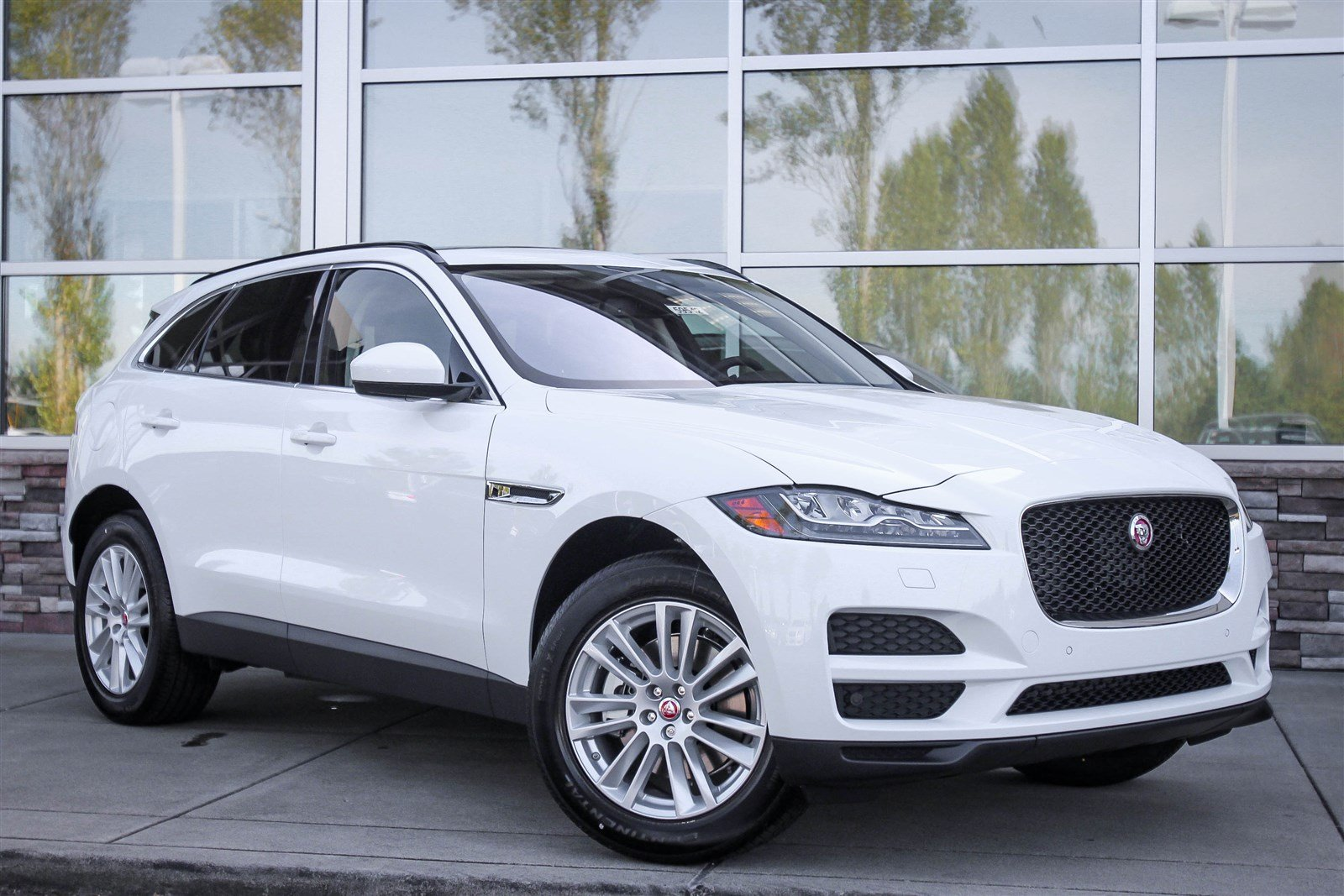 new 2017 jaguar f pace 35t prestige sport utility in lynnwood 59542 jaguar seattle. Black Bedroom Furniture Sets. Home Design Ideas