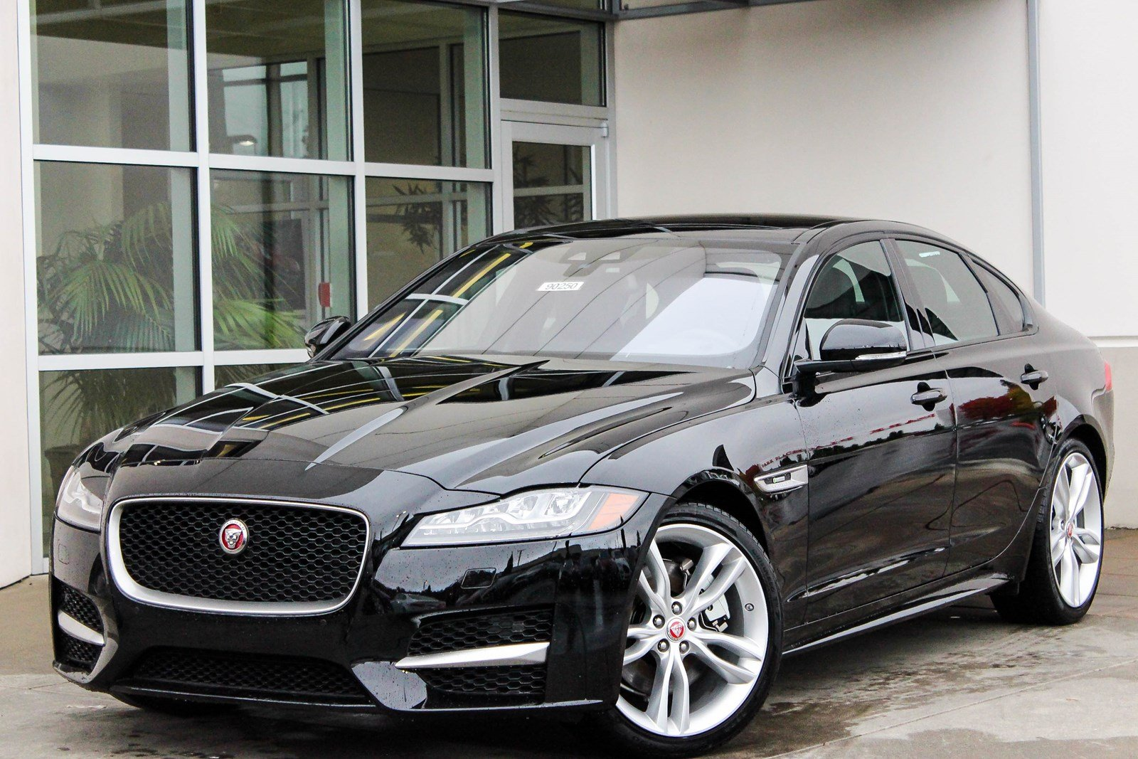 new 2018 jaguar xf 35t r sport 4dr car in lynnwood 90250 jaguar seattle. Black Bedroom Furniture Sets. Home Design Ideas